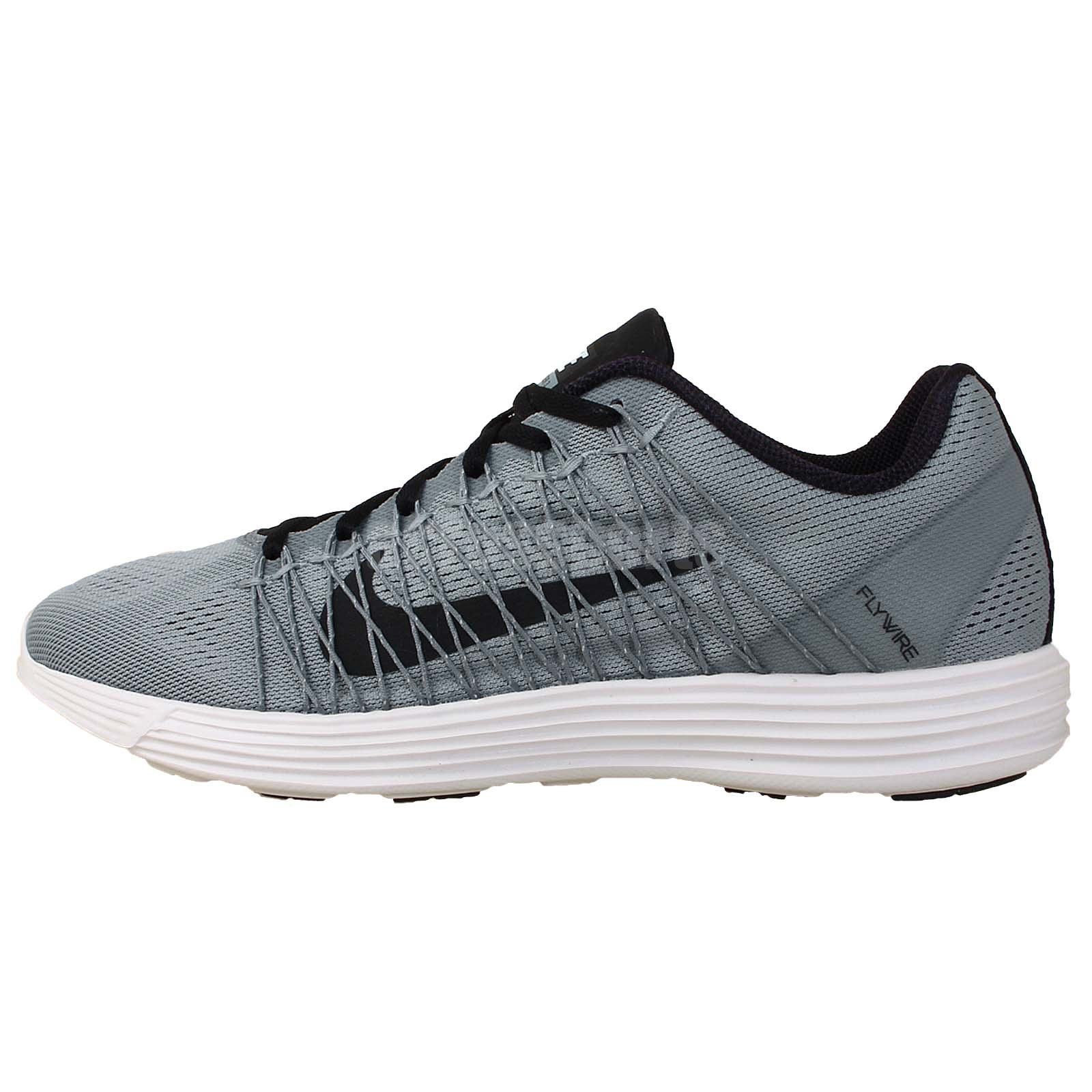 black and white nike flywire running shoes