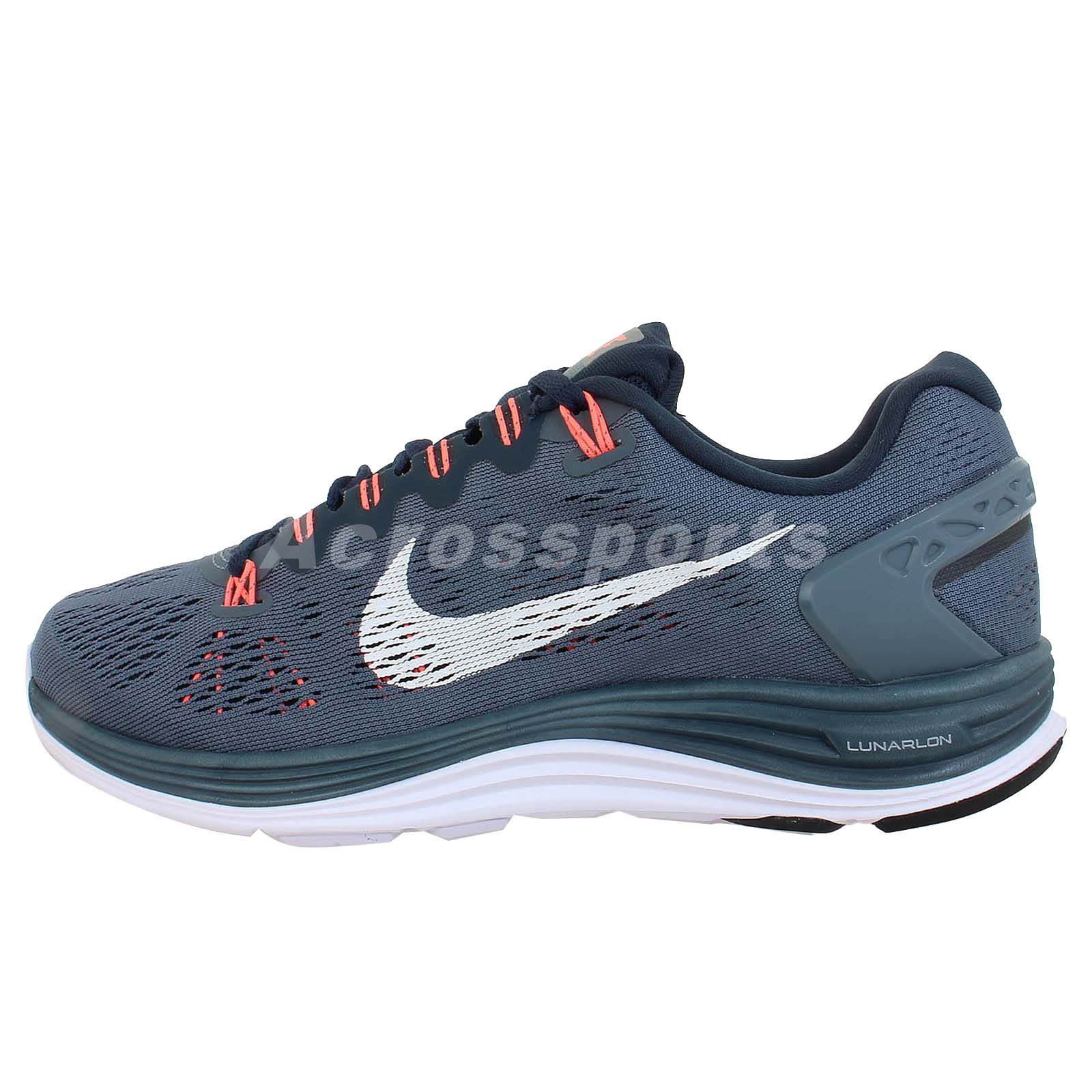 Wonderful Show Off Your Trendy Style When You Put On The Nike Womens Akamai Golf Shoes Crafted With Nikes Signature Lunarlon Cushioning, Feel Assured You Will Have Lightweight Comfort And Support All Round The Cushioning Evenly