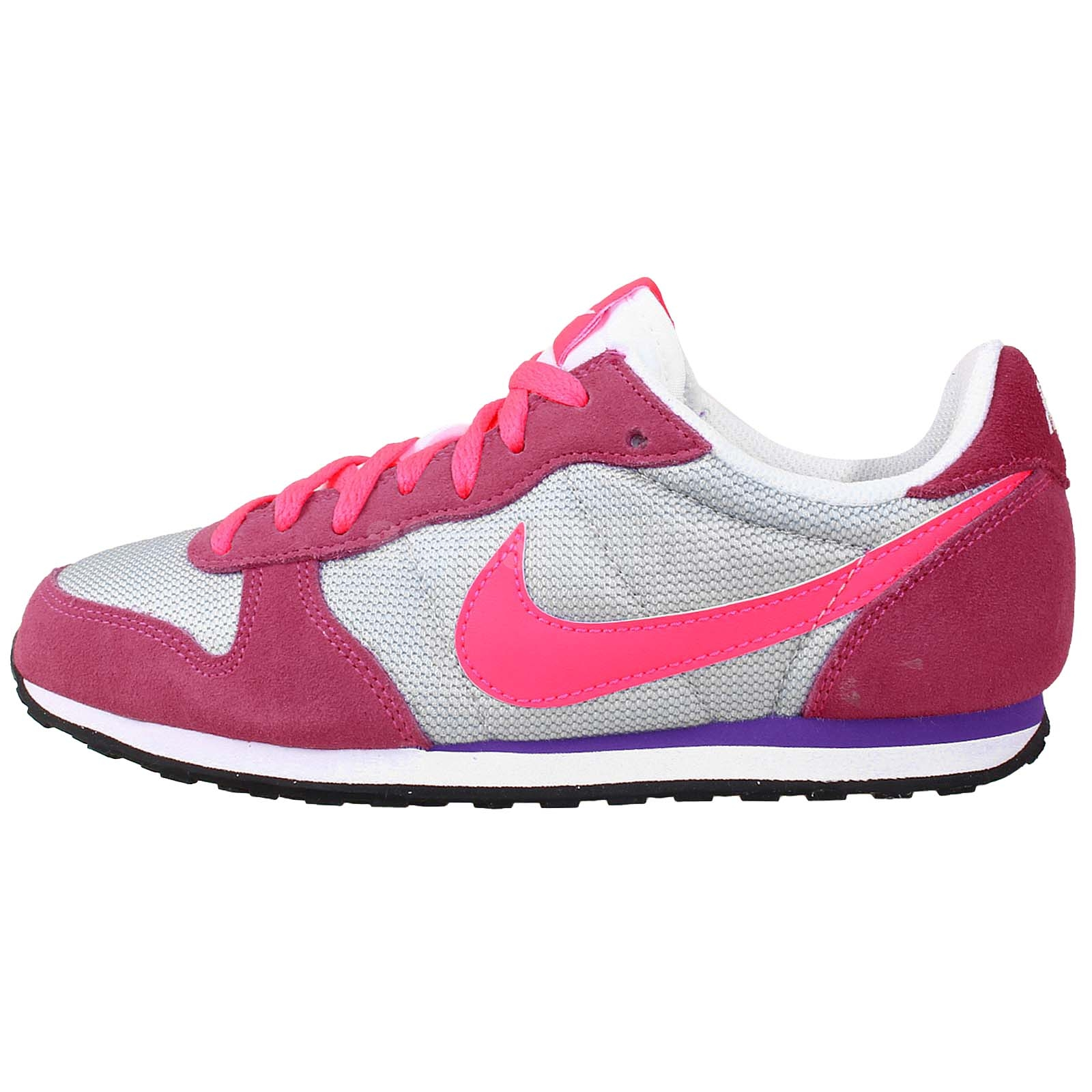 Lastest  Gorgeous Womens Shoes Are Perfect For Urban Use, Special Occasions, Casual Footwear, And Active Wear For Those Who Love To Stay Fit, Our Range Of Womens Sneakers Are Ideal For Those Who Love Big Brand Offerings Such As Nike