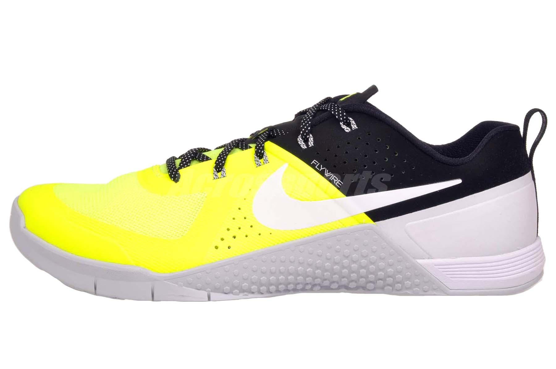 nike metcon 1 mens cross training shoes trainers volt. Black Bedroom Furniture Sets. Home Design Ideas