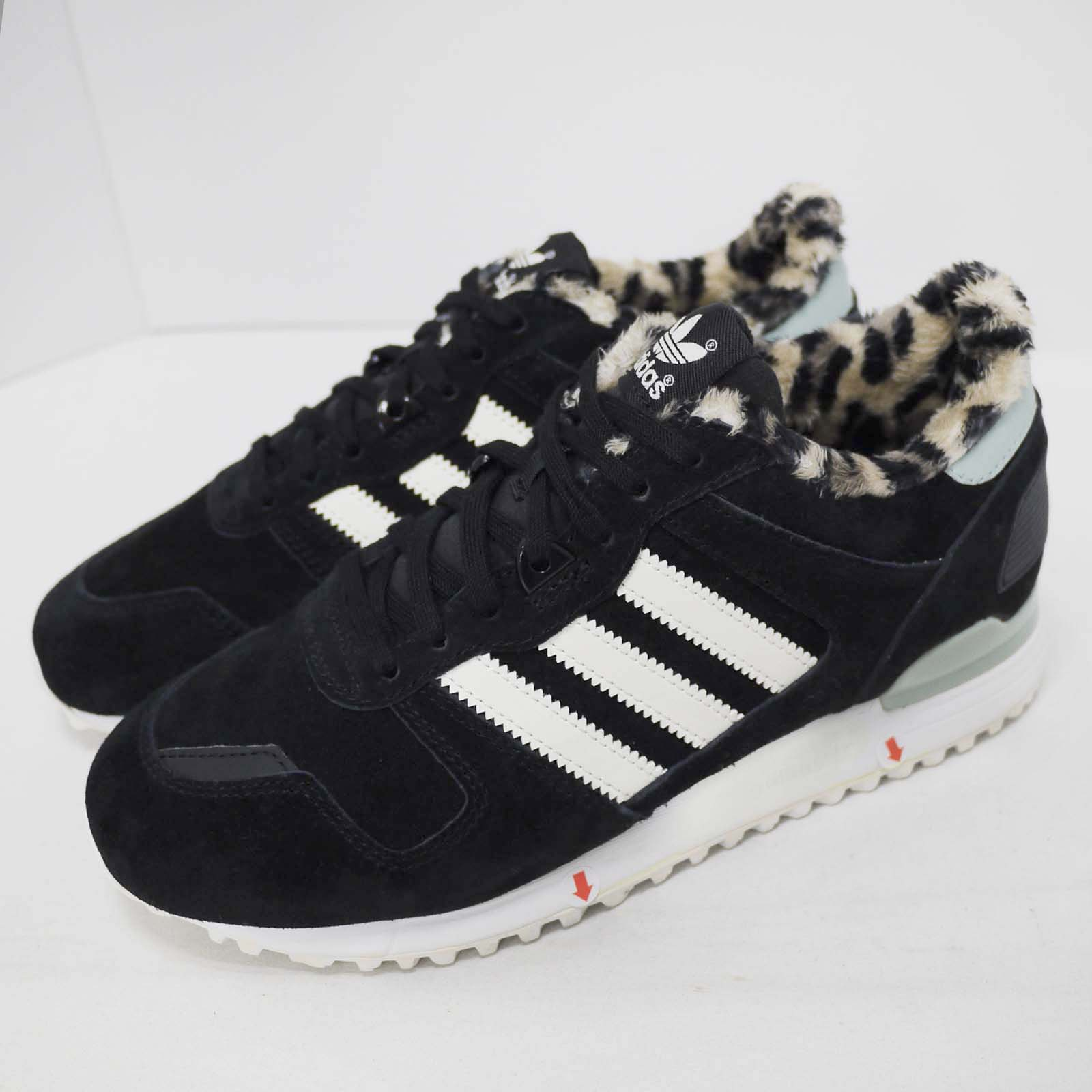 quality design bc07d 562dc Details about adidas Originals ZX 700 W Both Feet With Discoloration Women  Shoes B25718