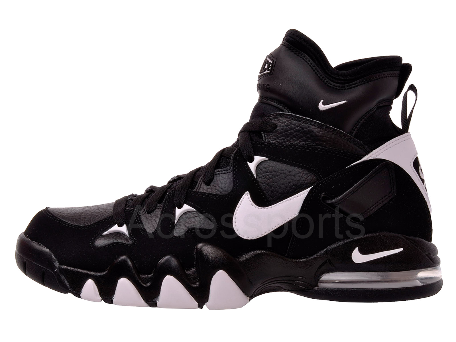 70a4e86c5871f9 nike air max strong 2 high sale Boys black and gold nike shox.