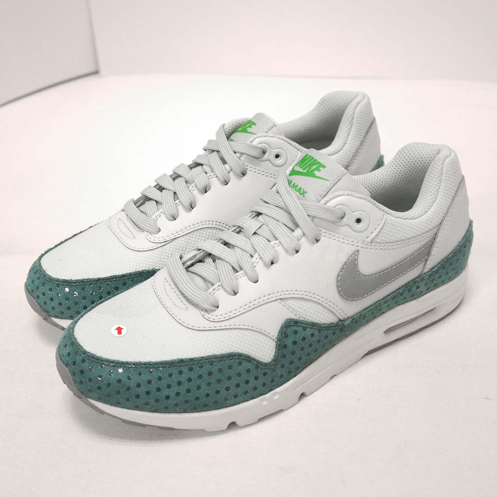 Details about Nike Wmns Air Max 1 Ultra Essentials Left Toe With Stains Women US7.5 704993 006