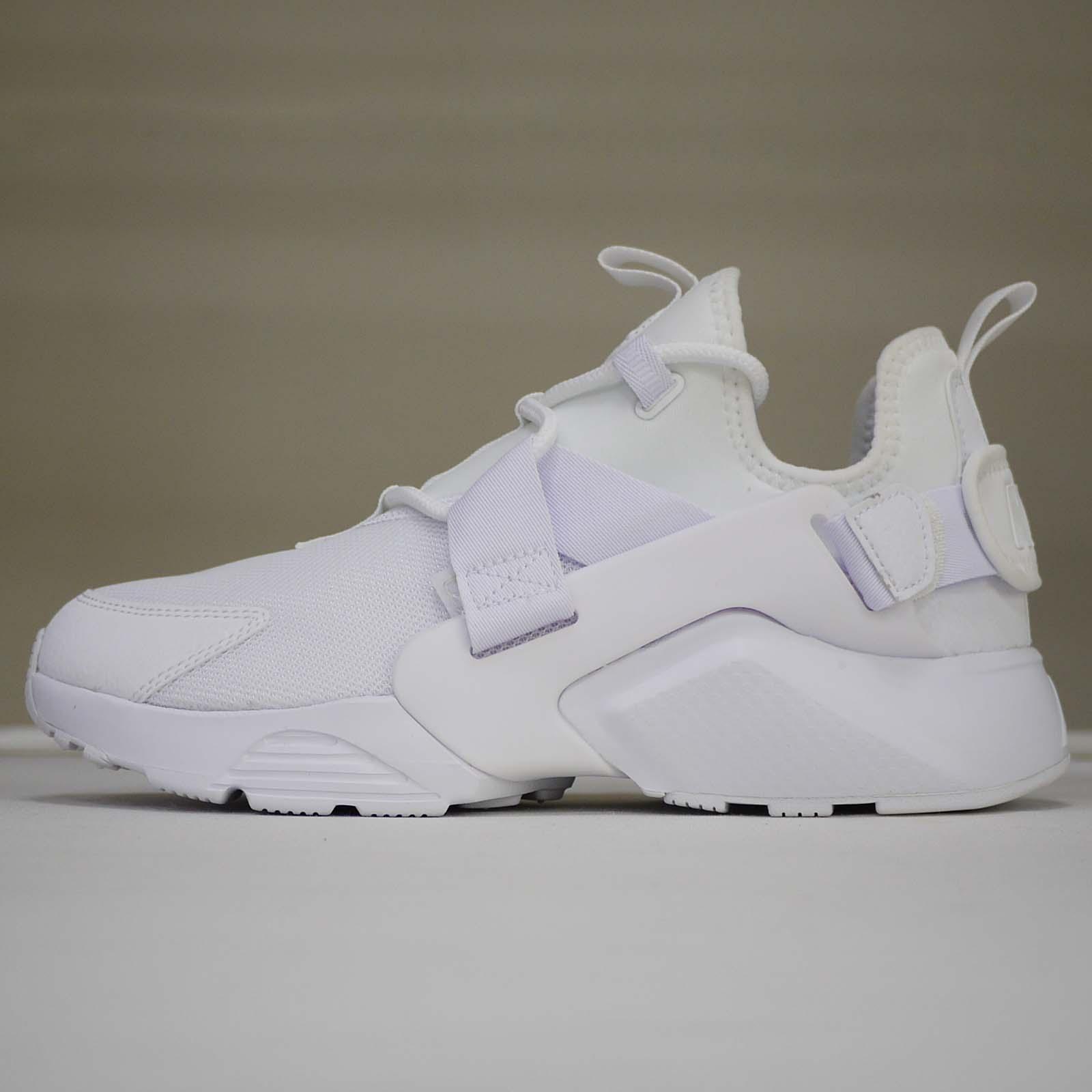9dc38e0a5781a Nike Wmns Air Huarache City Low Womens Shoes different Size US 9   8  AH6804-100